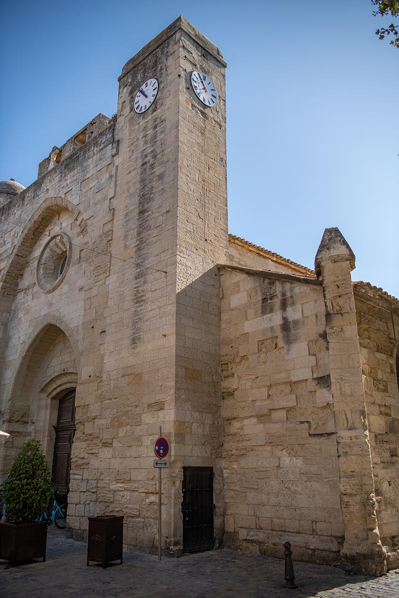 Aigues Mortes in der Kirche Notre Dame des Sablons aussen