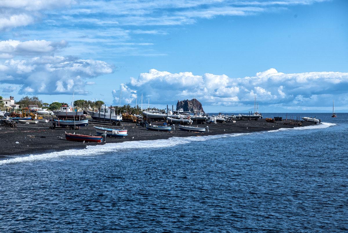 Hafen von stromboli