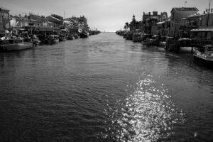 Hafeneinfahrt von Le Grau du Roi Canal du Rhone a Sete