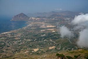 Von Erice hast Du einen schönen Ausblick über Sizilien