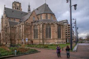 Die Laurenskerk Rotterdam ist eines der wenigen alten Gebaeude die nicht zerstoert wurden