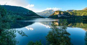 Einer der vielen Seen in den aragonesischen Pyrenäen