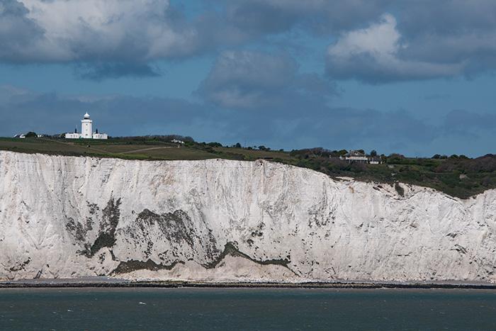 Anblick der Kreidefelsen von Dover in Großbritannien