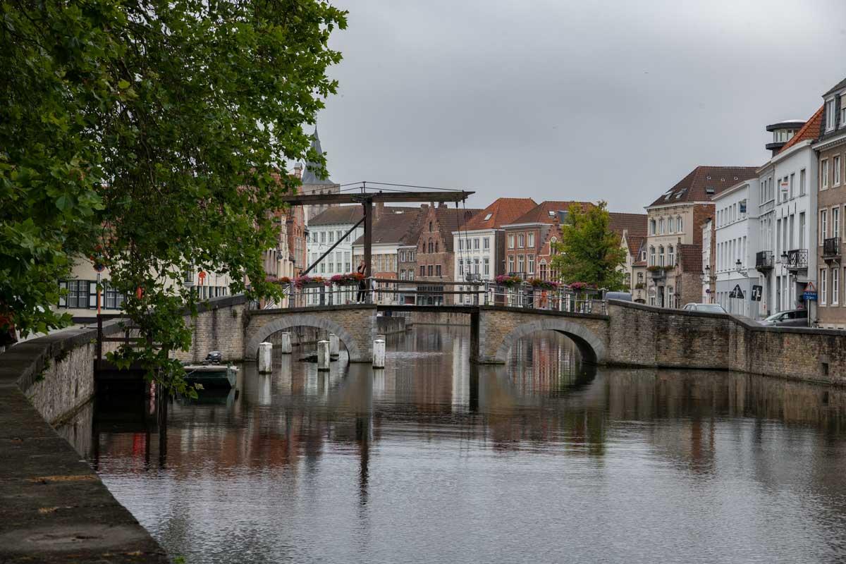 Die Potterierei Brug ist eine der bekannten Brücken