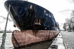 Schiffe aus aller Welt legen auch schon mal im Innenstadtbereich an