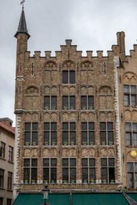 Die Gebäude zeugen von dem früheren Reichtums Flanderns