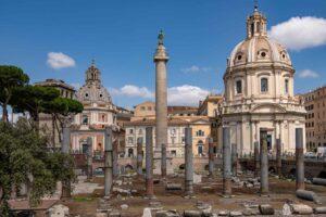 colonna_traiana_mit_chiesa_santa_maria_di_loreto
