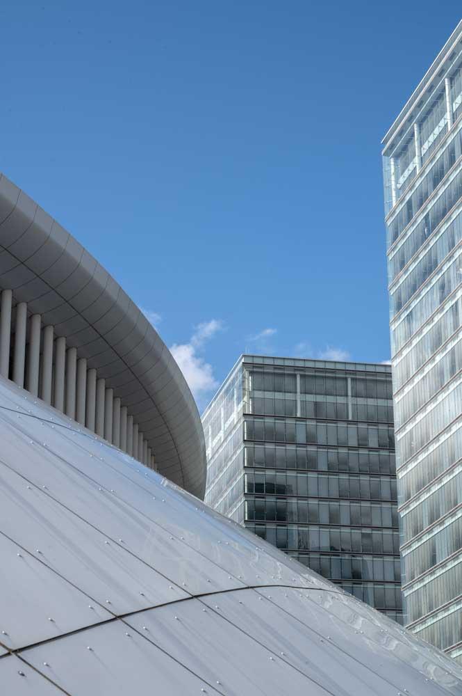 moderne bauten bei der philharmonie